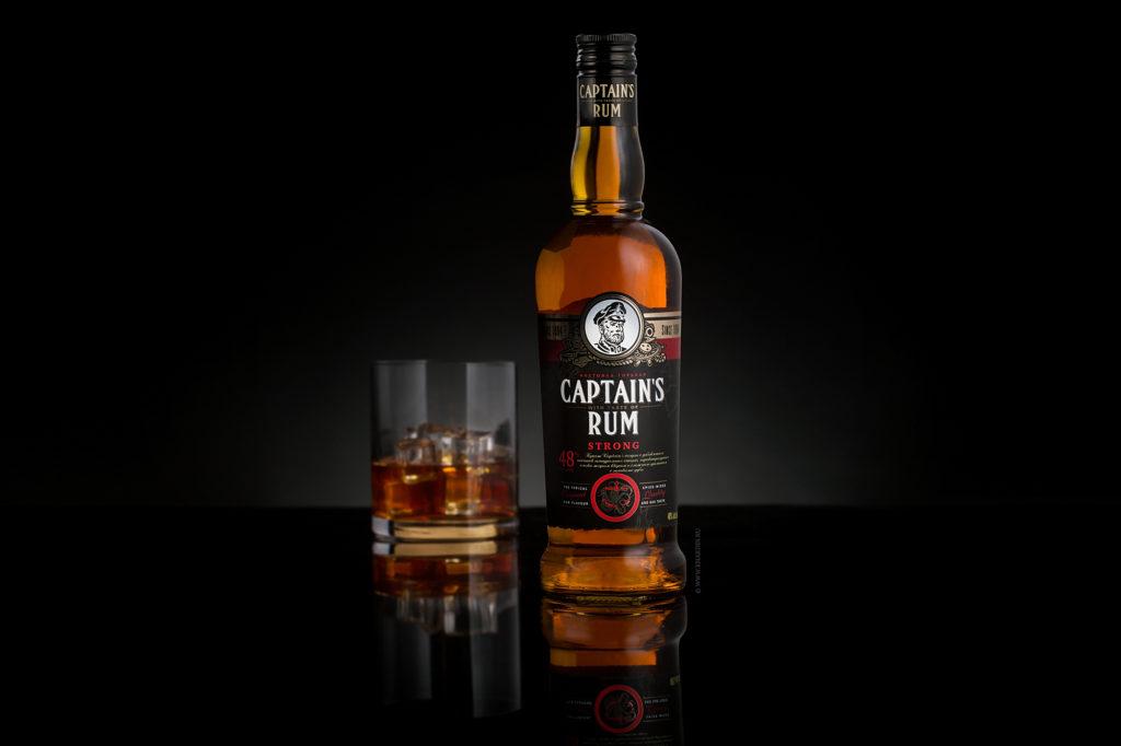 Капитанский ром Strong | Фотосъемка продукции в бутылках  | Уссурийский Бальзам