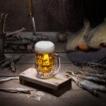 Пиво с соленой рыбой